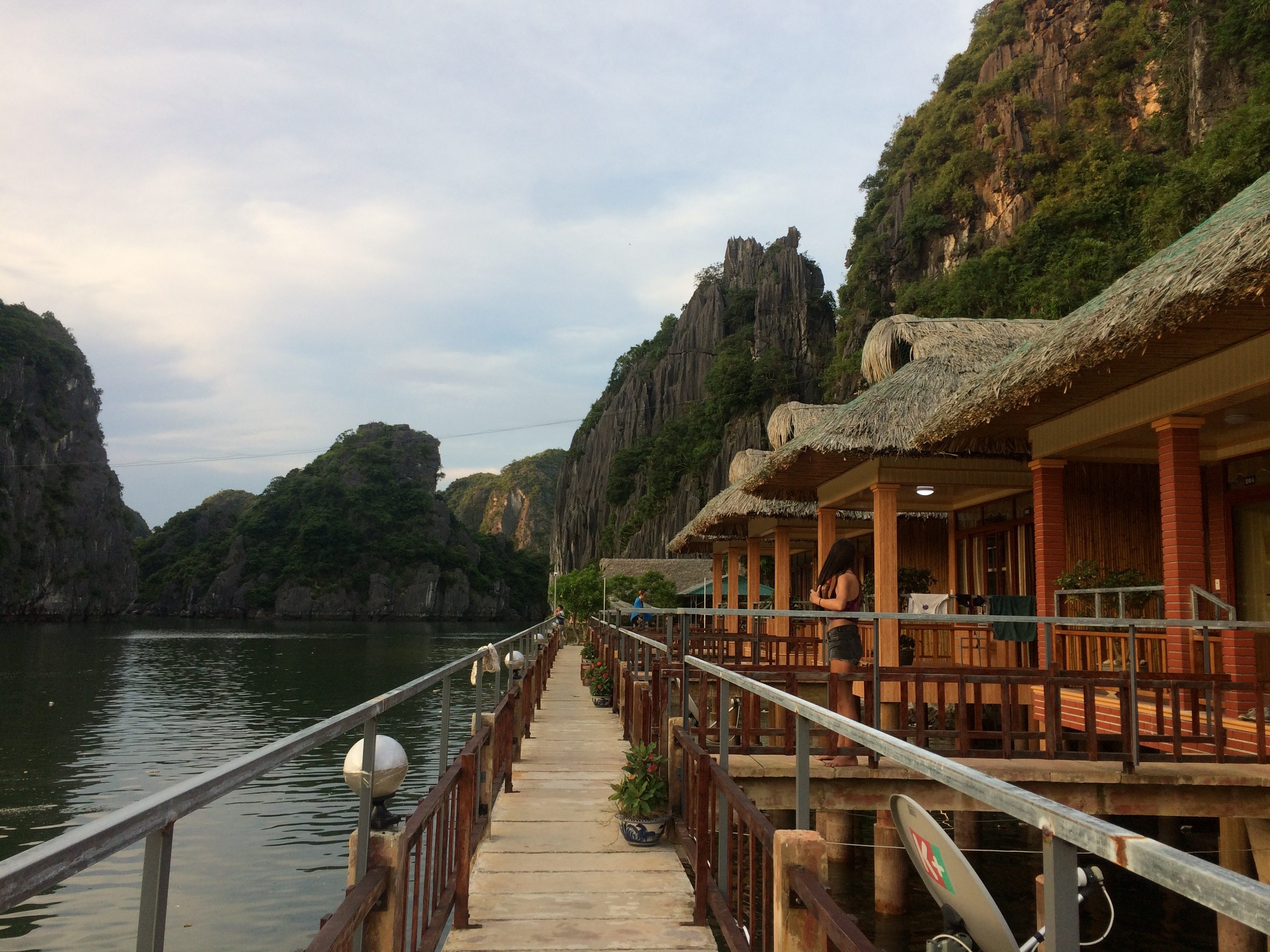 Which Ha Long Bay Tour Should You Choose? - The Partying Traveler